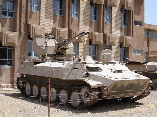 МТ-ЛБ армии Ирака со спаренной зенитной установкой калибра 23-мм. Фото: wikipedia.org