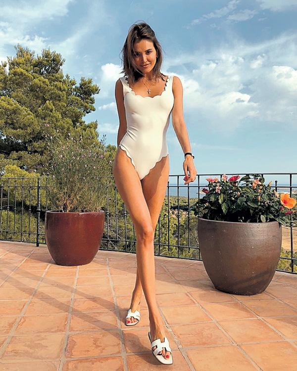 Ксения Бурда уверяет, что не мечтала о карьере модели, а хотела стать серьезным журналистом
