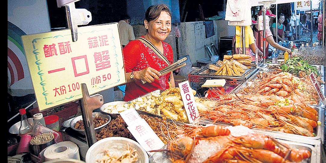 На местных рынках можно от пуза наесться морепродуктами