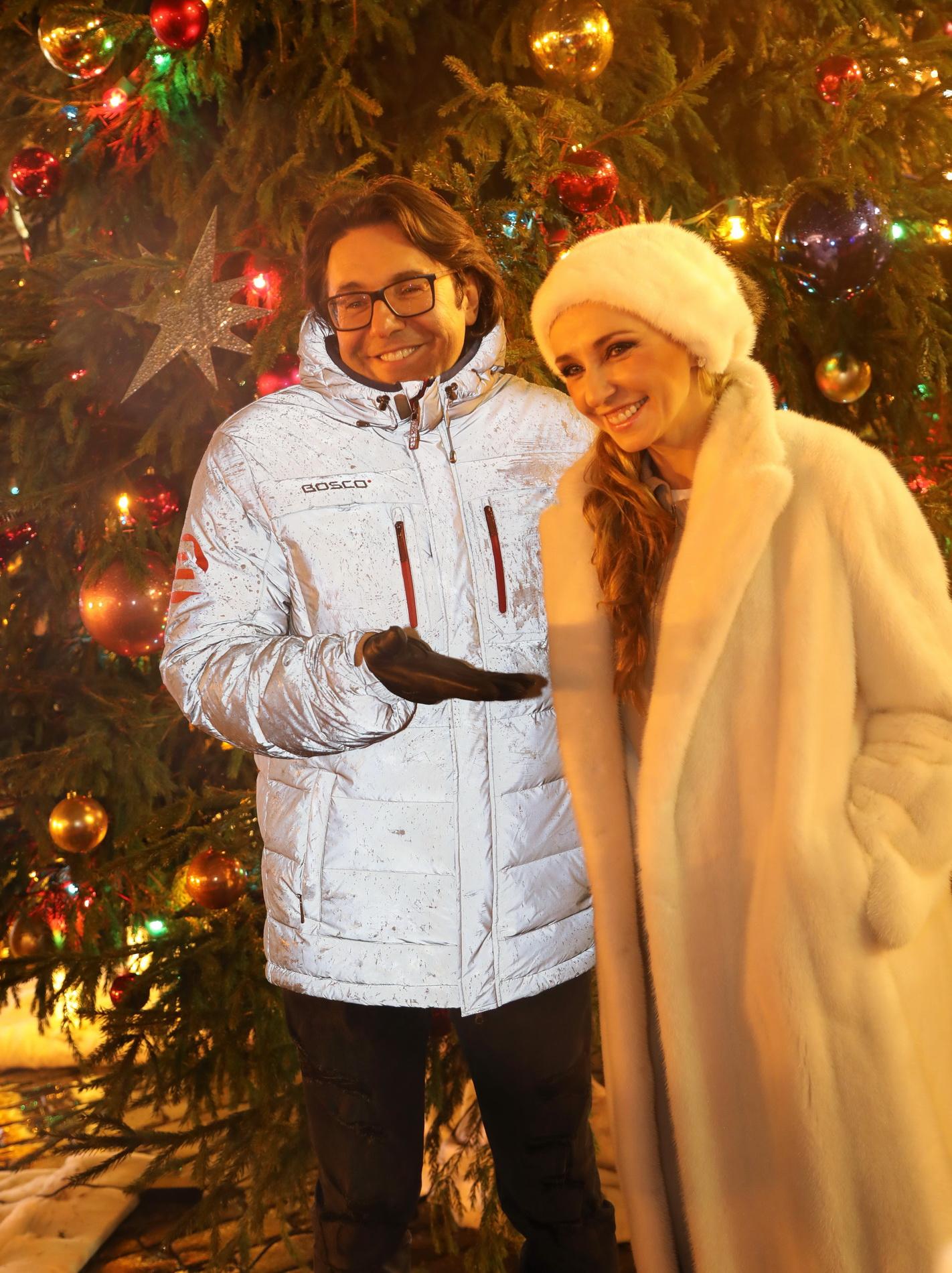 Ледовые шоу-2018-2019 - Страница 12 Andrey-malahov-i-tatyana-navka042253
