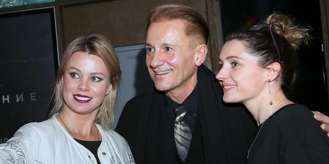 Олег Меньшиков при беременной жене заигрывал с красивыми девушками.