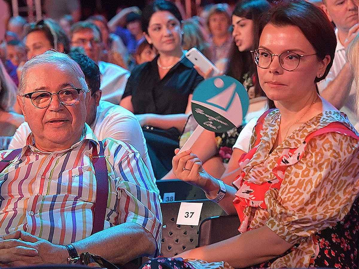 Петросян превратил Брухунову в старушку