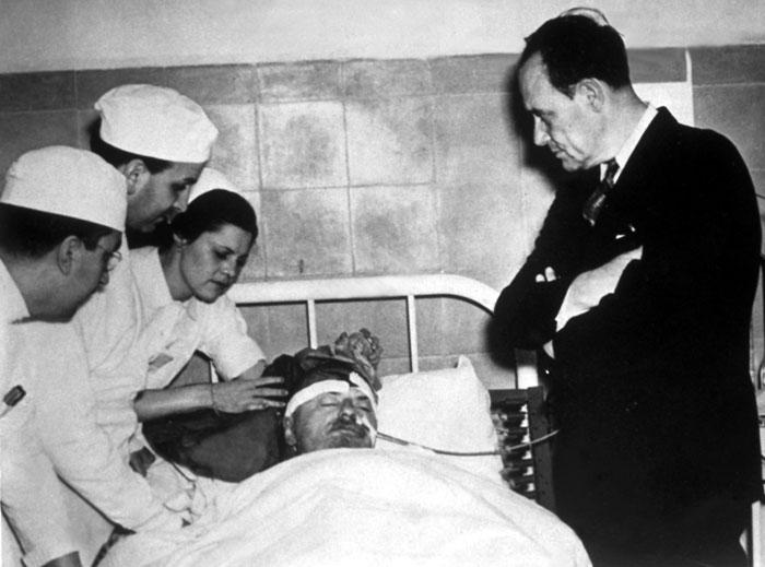 Лев Троцкий в больнице накануне смерти