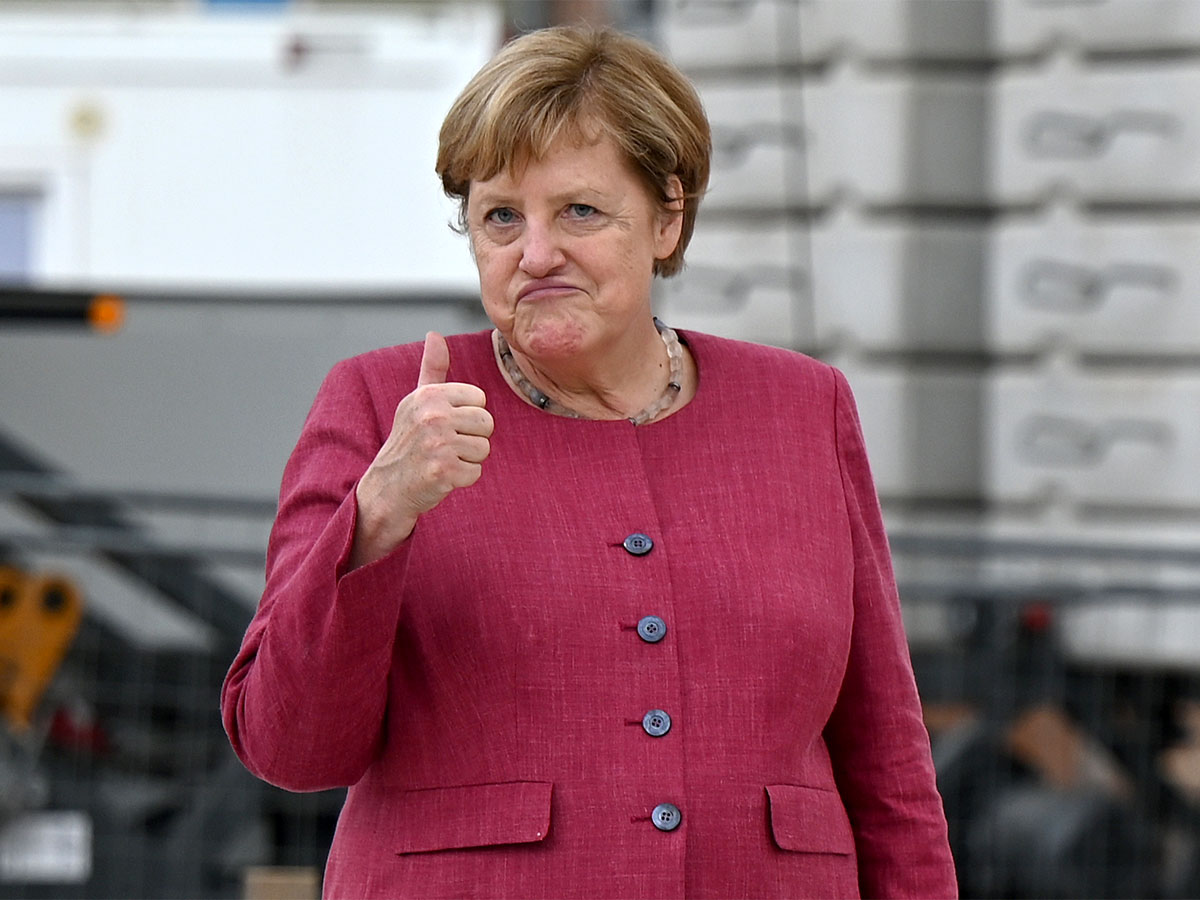 Европа в ожидании большого«шухера»: главным вместо Меркель станет бисексуал Макрон